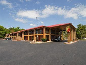 Photo of Super 8 DeFuniak Springs
