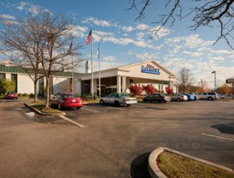‪Baymont Inn & Suites Louisville Airport South‬