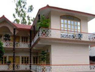 Gayatri Resort