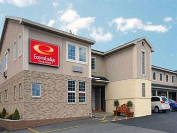 ‪Econo Lodge and Suites North Syracuse‬