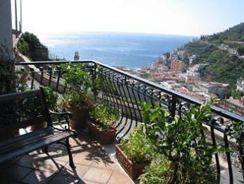 Photo of Free Holiday Bed & Breakfast Minori