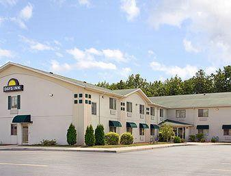Photo of Days Inn Toledo Airport Swanton