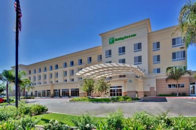 Photo of Holiday Inn Hotel & Suites Bakersfield North