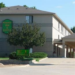 ‪Maquoketa Inn and Suites‬