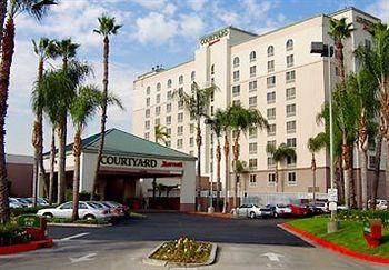 Courtyard Los Angeles Baldwin Park