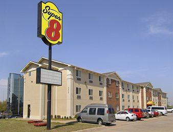 Super 8 Irving/DFW/South