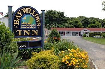 Bay Willows Inn