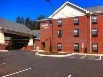 ‪Hampton Inn West Jefferson‬