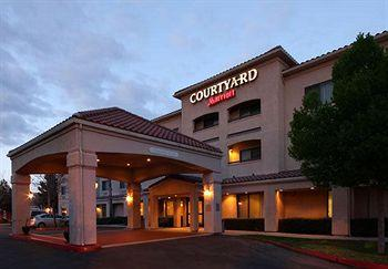 ‪Courtyard by Marriott Palmdale‬