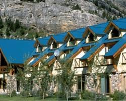 ‪Waterton Glacier Suites‬