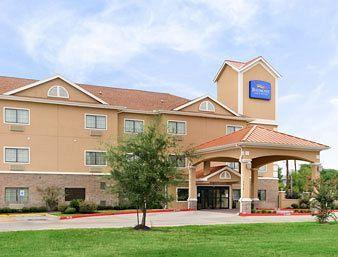 Photo of Baymont Inn & Suites Baytown