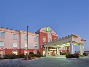 Photo of Holiday Inn Express Hotel & Suites Pampa