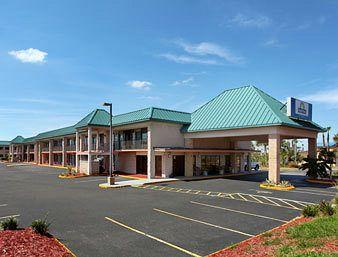 Photo of Days Inn & Suites Davenport