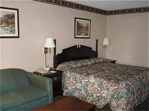 GuestHouse International Inn Clarksville