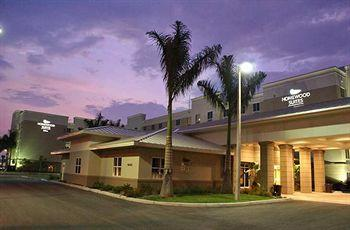 Homewood Suites by Hilton Fort Myers Airport / FGCU