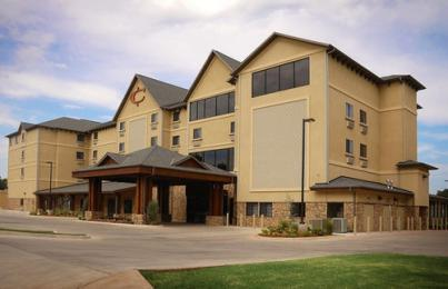 Cimarron Hotel and Suites