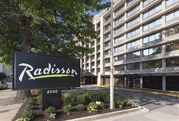 ‪Radisson Hotel Reagan National Airport‬