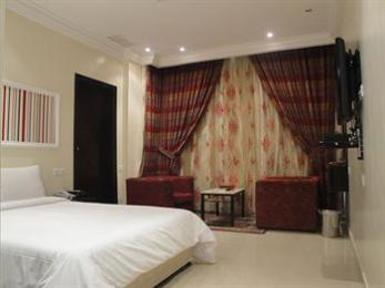 Marina Royal Hotel Suite
