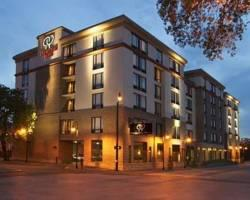 Photo of DoubleTree by Hilton Savannah Historic District