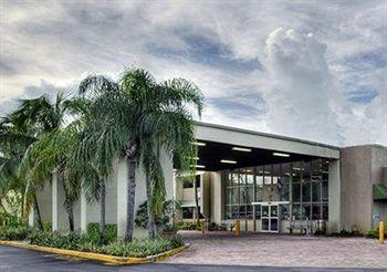 ‪Rodeway Inn & Suites Fort Lauderdlale Airport/Cruise Port‬