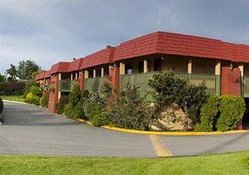 Photo of Econo Lodge Inn & Suites Victoria