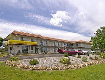 Super 8 Motel - Aurora Denver Area