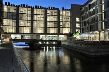 Photo of Harbour Bridge Hotel & Suites Cape Town