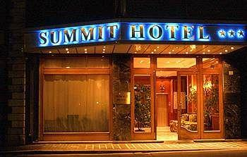 Hotel Summit