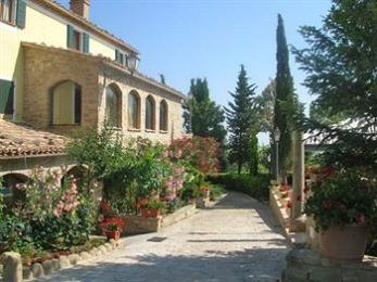 La Ciminiera Country House