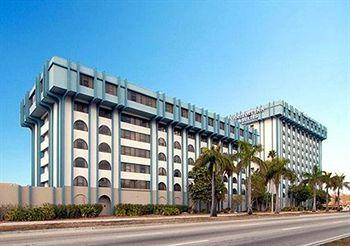 Photo of Comfort Inn & Suites Miami Airport