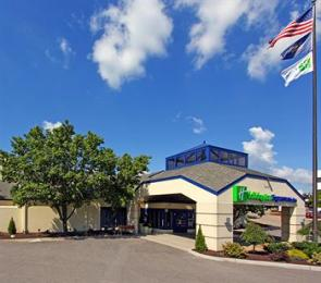 ‪Holiday Inn Express Hotel & Suites Pittsburgh Airport‬