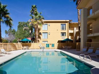 La Quinta Inn Phoenix Sky Harbor Airport