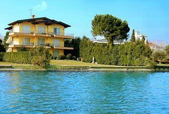 Photo of Residence Casa dei Pescatori Sirmione