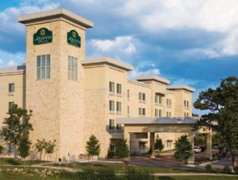 Photo of La Quinta Inn & Suites Austin - Cedar Park