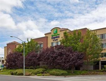 ‪Holiday Inn Express Suites Belmont‬