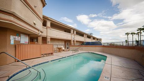‪BEST WESTERN Kettleman City Inn & Suites‬