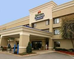 ‪Nashville Inn & Suites‬