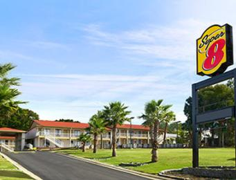‪Super 8 Motel- Crestview‬