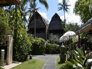 Anom Beach Inn Bungalows