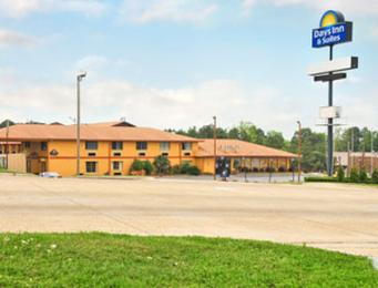 Photo of Days Inn & Suites Marshall