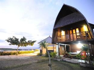 Suka Beach Bungalow