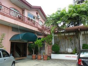 Camsur Tourist Inn