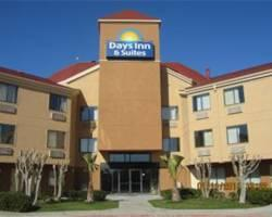 Photo of Days Inn & Suites DeSoto