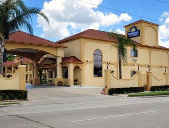 ‪Days Inn and Suites Houston Hobby Airport‬