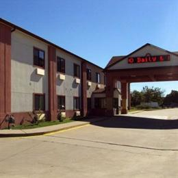 Photo of Tropicana Inn & Suites Dallas