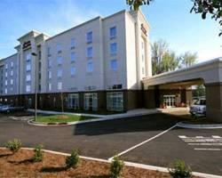 Hampton Inn and Suites Charlotte Airport