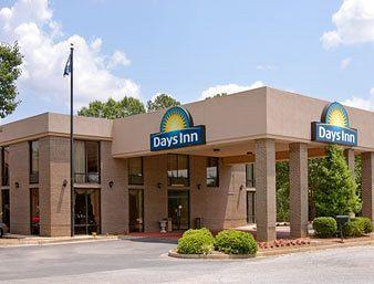 Photo of Days Inn Interstate/Presbyterian College Clinton