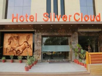 Hotel Silver Cloud - Ahmedabad