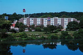 Photo of BEST WESTERN Cooper's Mill Hotel Cedar Rapids