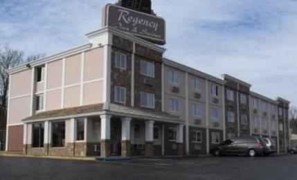 ‪Regency Inn and Suites‬